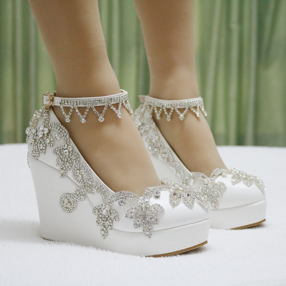 14 Comfortable Wedding Shoes