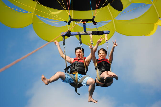 Paragliding with partner